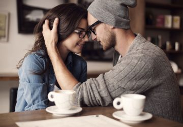 4 Signs Of Psychic Connection Between Soul Mates